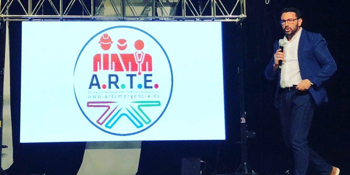 Juan Manuel Cervantes presentando a ARTE en Argentina